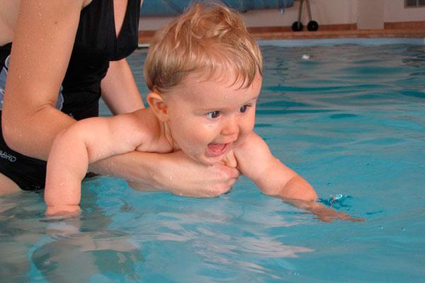 natación para los bebés