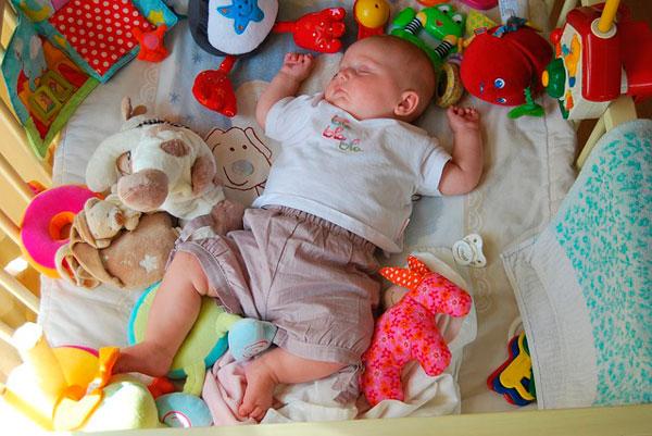 elegir juguetes para bebés